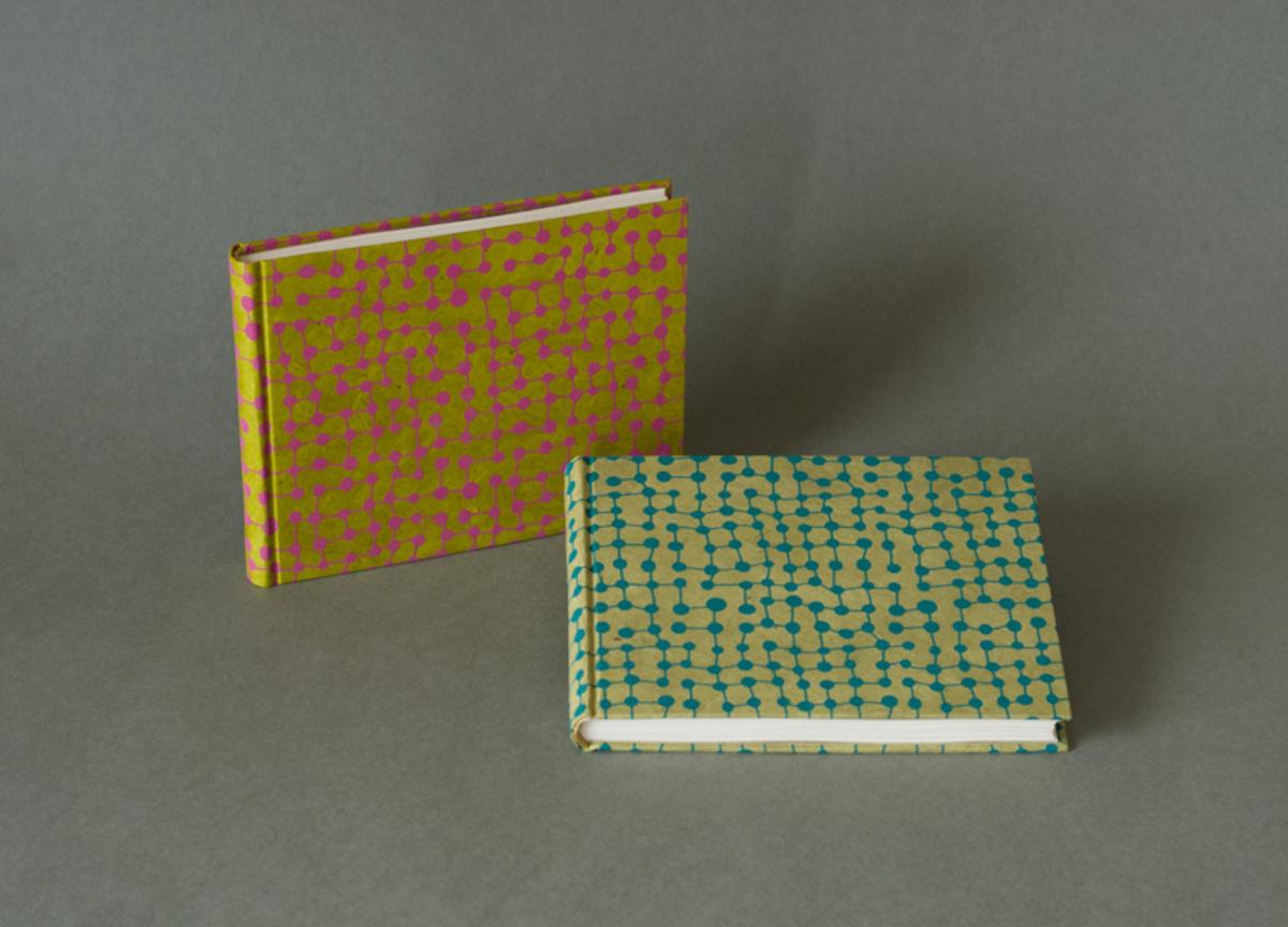 Deux carnets jaune et vert